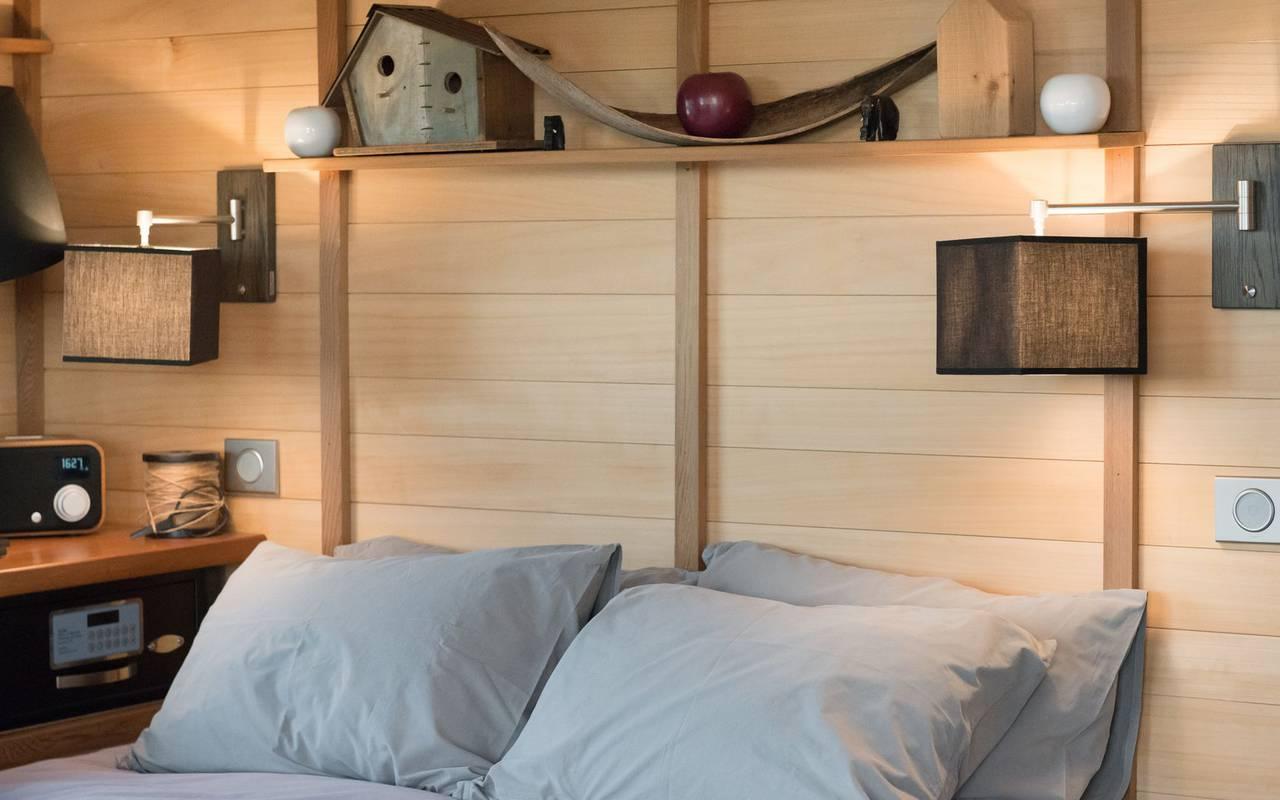Chambre dans cabane en bois logement insolite bourgogne