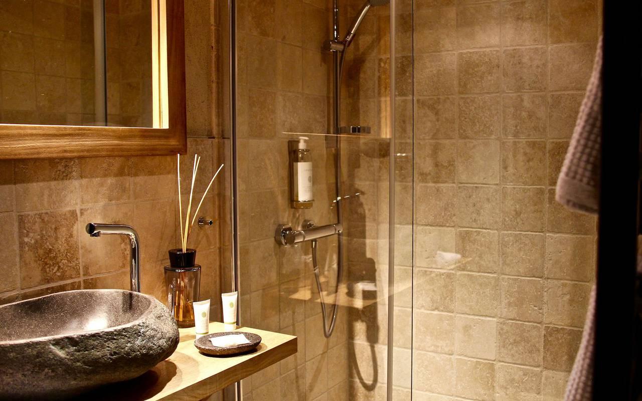 Salle de bain moderne logement insolite bourgogne
