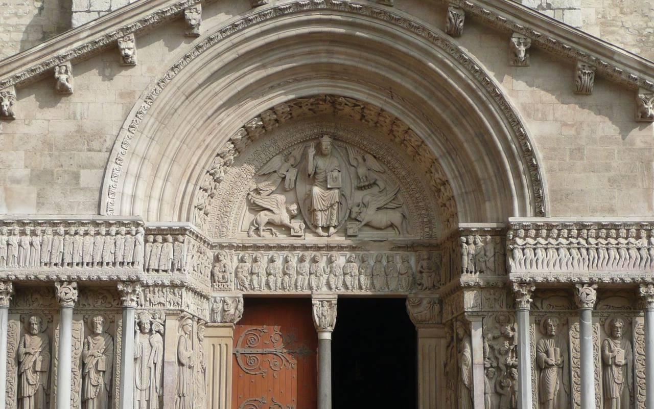 Visite de cathédrale activité bourgogne
