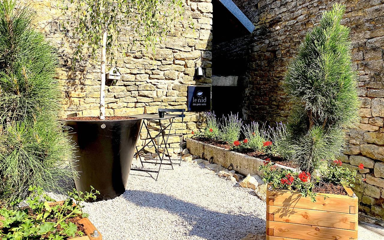 Jardin avec des plantes hôtel spa bourgogne