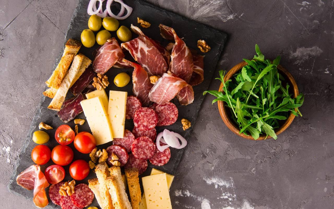 planche de fromage et de charcuterie hotel romantique bourgogne